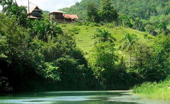 Řeka nabízí příjemné osvěžení po náročném pracovním dni.
