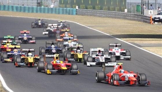 Z velkého pole GP2 nemá valné naděje na kokpit F1 téměř nikdo.