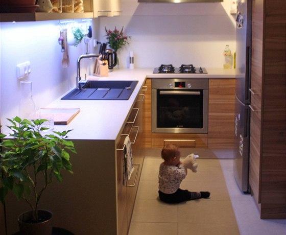 Nová kuchyně vyhovuje i nejmladšímu členu rodiny.