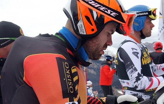 Kanadský sjezdař českého původu Jan Hudec absolvoval čtvrteční trénink na sjezd ve Val Gardeně s airbagem ukrytým pod kombinézou.