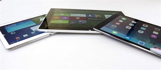 Zástupci jednotlivých tabletových platforem: Android - Samsung Galaxy Note 10.1 verze (2014), iOS - iPad Air a Windows - Sony Vaio Tap 11