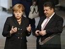 Angela Merkelová a její hlavní koaliční partner, šéf SPD Sigmar Gabriel (17....
