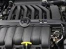 Pod kapotou se skrývá šestiválcový motor  3,6 FSI, o výkonu 191 kilowatů.