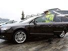 Policejní Škoda Superb má pohon na všechny čtyři kola a  automatickou...