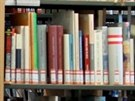 Moravská zemská knihovna v Brně existuje už přes 130 let. Pohled zvenčí. Utopen...