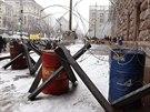 Kyjevská radnice je i nadále v obležení demonstrantů požadujících přidružení...