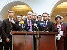 Zástupci ČSSD, ANO a KDU-ČSL při tiskové konferenci, na které představují