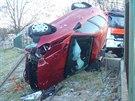 Pro auto si přijel manžel řidičky. Jistě byl rád, že se ženě nic vážného...