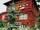 Nejen zahrada, ale i samotný Čapkův dům je důkazem pečlivé práce zahradníků.