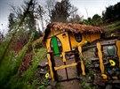 Obdivovatel Tolkiena Svatoslav Hofman staví svůj Hobitín v Šedivinách v...