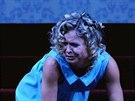 Zuzana Onufráková (Ofélie) v Hamletovi ve Švandově divadle