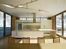 Na kuchyňský kout navazují terasy s letní venkovní kuchyní.