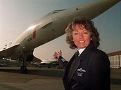 Barbara Harmerová před Concordem British Airways