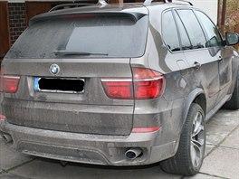 Policie objevila na Královéhradecku díly z odcizených aut z Německa i kradená...