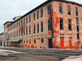 Bývalá Walzelova továrna v Meziměstí před přestavbou v prosinci 2011.