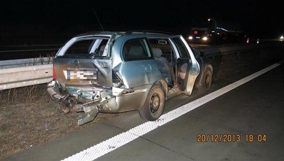 Dopravní nehoda dvou osobních automobilů zkomplikovala vpátek v podvečer...