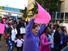 Lidé podpořili Jahi také před nemocnicí, kde bojuje o život.