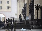 Teroristka se v neděli dopoledne odpálila u vstupu do nádražní budovy a zabila...