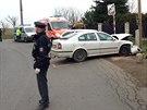 Řidič se ve Zvoli čelně srazil s jiným vozem, když ujížděl policii.