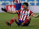 CO JE?! Diego Costa z Atlética Madrid gestikuluje během zápasu s Levante.