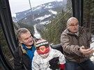 Bývalý pražský primátor Bohuslav Svoboda se svezl novou lanovkou na Sněžku...