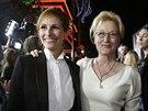 Julia Robertsová a Meryl Streepová na premiéře filmu August: Osage County...