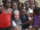 Linda strávila v roce 2009 dovolenou v Zambii. Setkání s dětmi z chudých slumů...