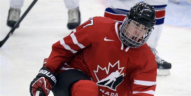 Kanadský hokejista Connor McDavid se raduje z gólu proti Spojeným stát�m