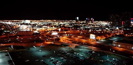 V Las Vegas je o 9 hodin m�n�, ne� v �esk� republice. Tak�e zat�mco p�i sn�dani...