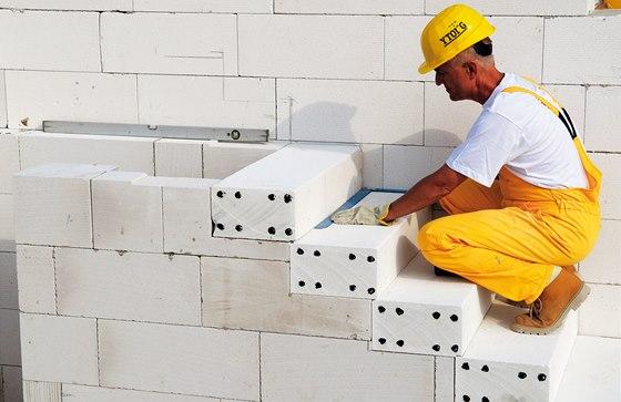 Tvárnice Ytong tvoří ideální materiál pro stěny, stropy i střechy, ale postavit