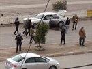 Bojovníci al-Káidy střeží ulice Fallúdži (4. ledna 2014)