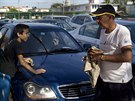 Kubánci mohou nová auta maximálne zpovzdálí obdivovat . Peníze na ně nikdo...