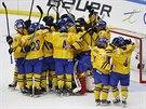 Švédští hokejisté porazili Rusy a potřetí za sebou budou hrát finále...