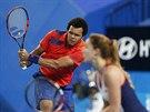 VÍTĚZNÝ DEBL. Alize Cornetová a Jo-Wilfried Tsonga vítězstvím ve čtyřhře...