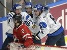 Fin�t� hokejist� porazili Kanadu a postoupili do fin�le MS hr��� do 20 let.
