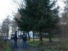 V bývalé vojenské usedlosti u Milovic byla nalezena těla dvou mrtvých mužů a...