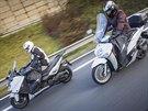Pro test jsme si vybrali dva protichůdné stroje, Yamaha Tmax – sportovní...