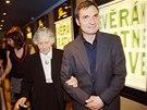 Herec Ji�� Mach��ek s here�kou V�rou Tich�nkovou na premi��e filmu Vratn� lahve