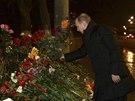 Ruský prezident Vladimir Putin položil kytici rudých růží u místa, kde v