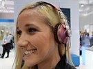 Na stánku Sennheiseru vládla monokultura sluchátek Momentum a p�edev�ím...
