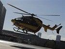 Helikoptéra před nemocnicí v Grenoblu, kam převezli Michaela Schumachera.