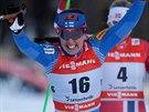 Finka Karttu Niskanenenová projíždí vítězně cílem.