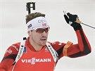 Norský biatlonista Emil Hegle Svendsen coby vítěz stíhačky v německém Oberhofu.