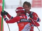 Norští lyžaři Martin Johnsrud Sundby (vlevo) a Petter Northug kralují na Tour...