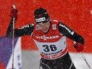 Toni Livers ze Švýcarska míří do cíle Tour de Ski.