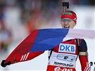 Ruská biatlonistka Olga Viluchinová veze ruskou štafetu na Světovém poháru v