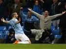Útočník Manchesteru City Alvaro Negredo slaví gól v semifinále Ligového poháru