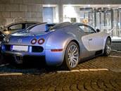 V Česku jezdí dvě Bugatti Veyron, první koupil majitel nové v roce 2007, druhé...