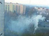 Kouřícími komíny netrpí jen lidé na vesnicích, ale i na sídlištích. Jedna z