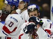 ZKLAMÁNÍ. Patrik Machač a další čeští hokejisté do 20 let polykají zklamání po
